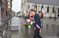 Cérémonie au monument aux morts dans le cadre de la Journée nationale du souvenir des victimes et des héros de la déportation.